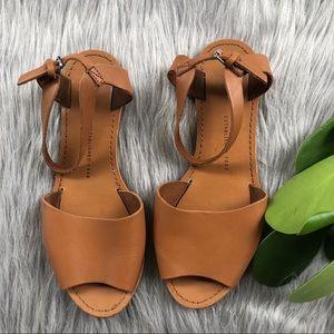 Gap Tan Sandals 7